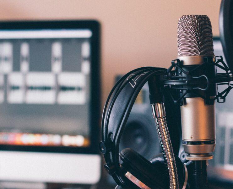 Vacature tekstschrijver / podcastmaker